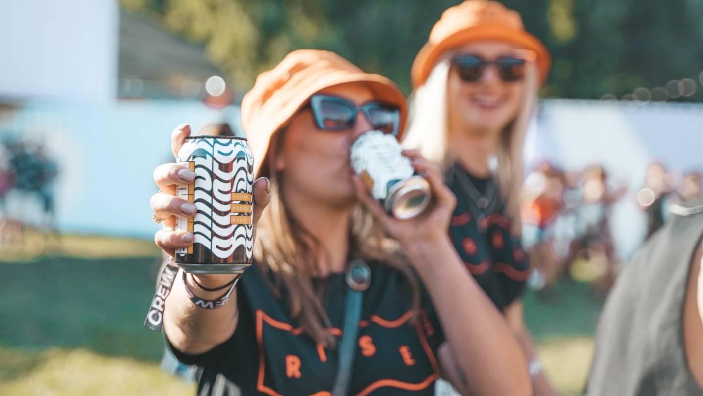 Women Drinking RTDs